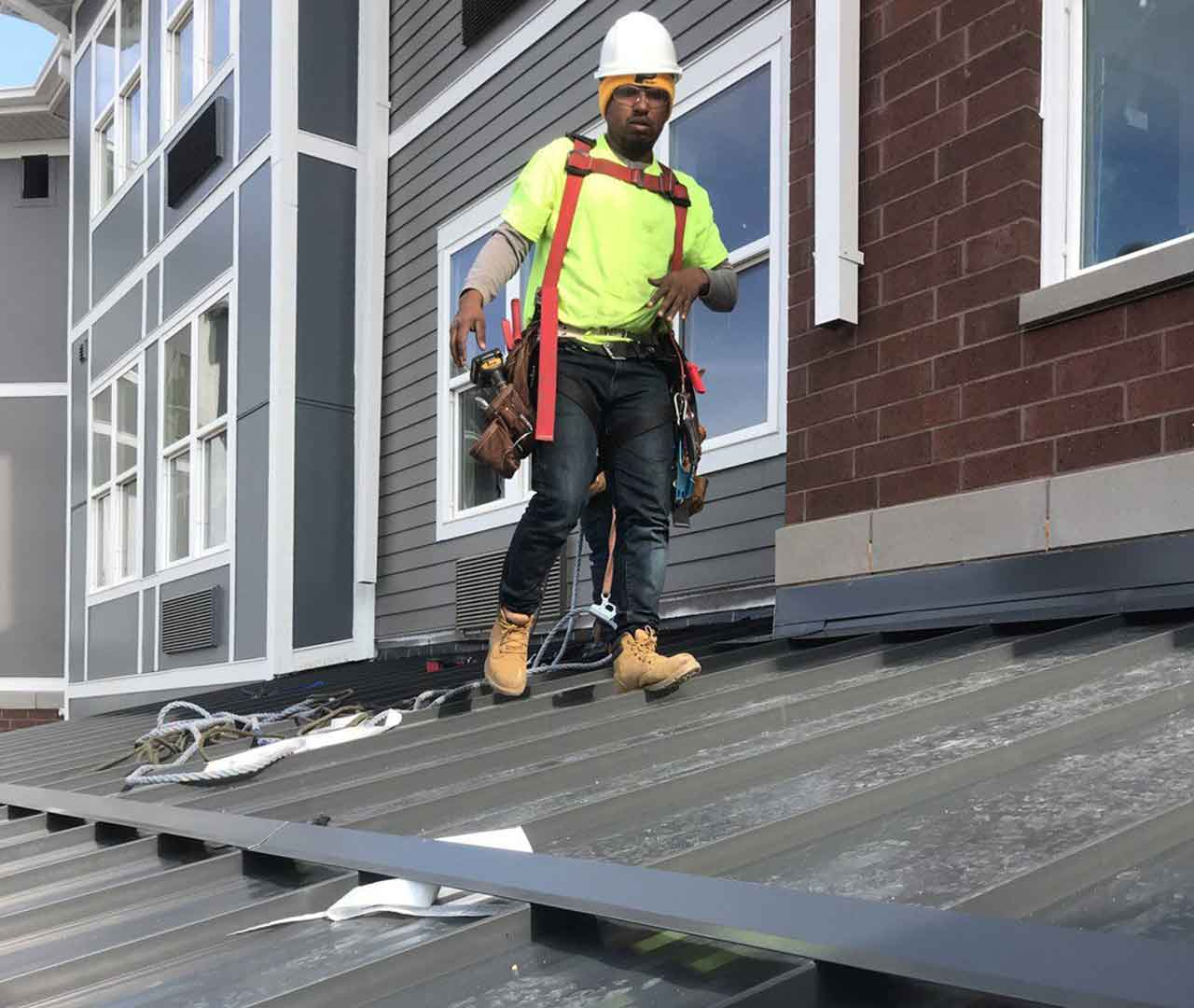 jagg roofer working