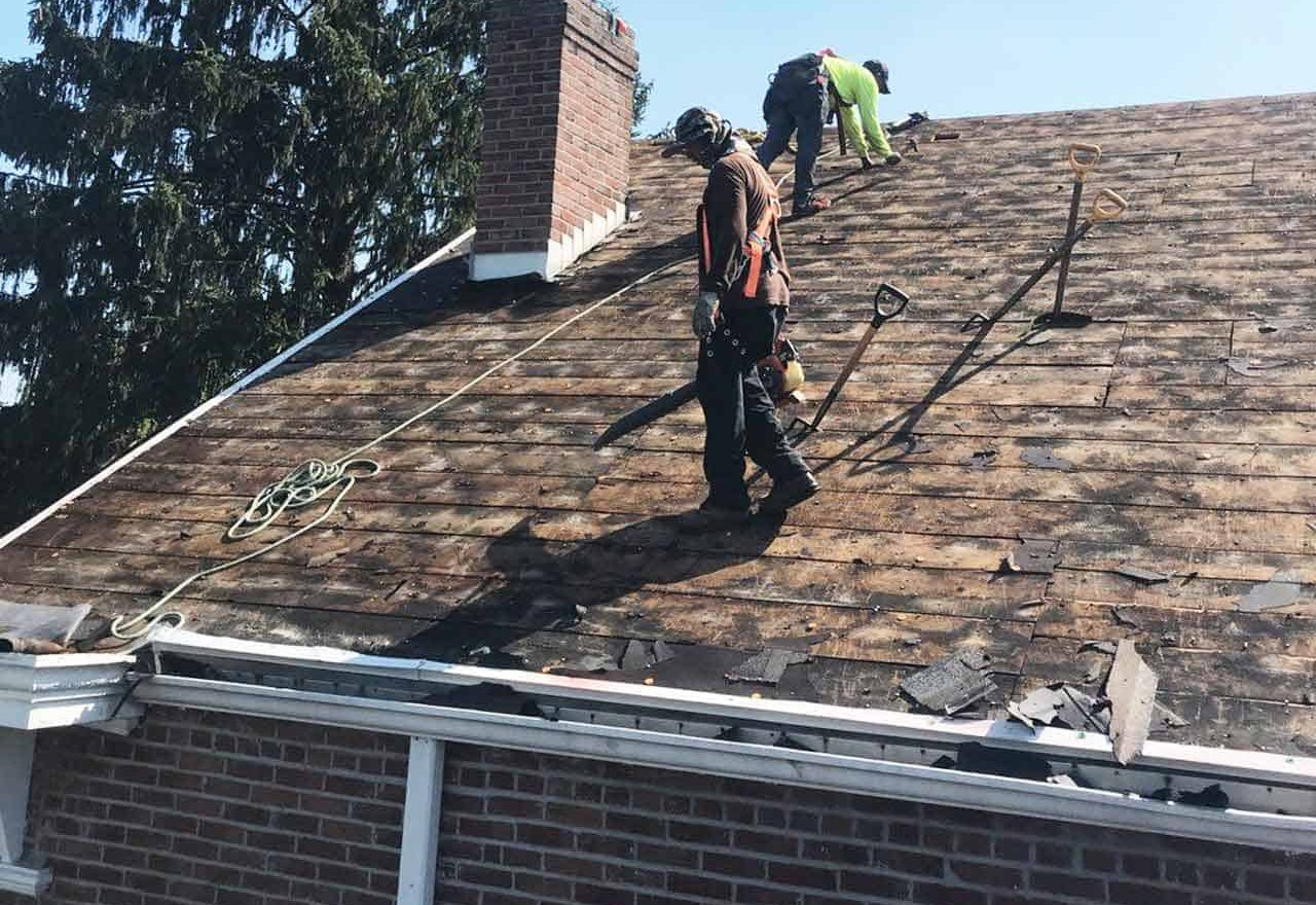 2 roof replacement contractors in indianapolis